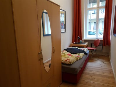 Private room for rent from 01 Feb 2020 (Meyerheimstraße, Berlin)
