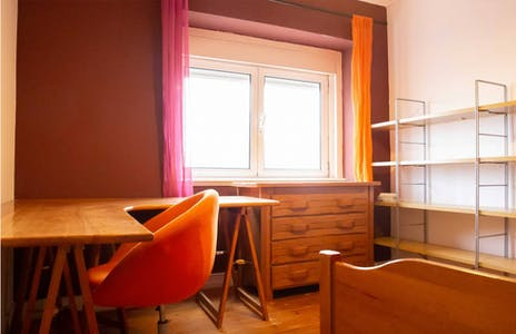 Private room for rent from 17 May 2020 (Rua Garcia de Orta, Lisbon)