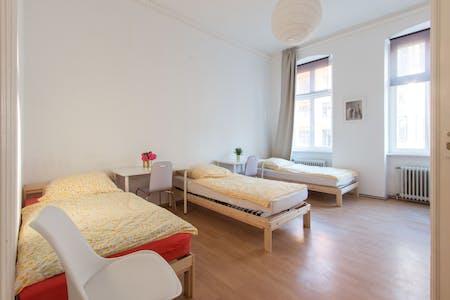 Mehrbettzimmer zur Miete ab 31 Juli 2020 (Lützowstraße, Berlin)