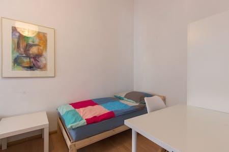Shared room for rent from 02 Oct 2019 (Lützowstraße, Berlin)