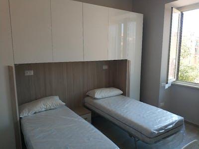 Gedeelde kamer te huur vanaf 01 jan. 2021 (Via dei Frassini, Rome)