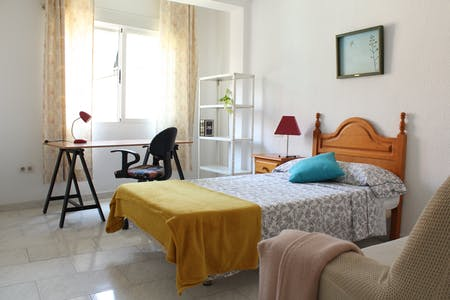 Private room for rent from 01 Aug 2019 (Calle Pedro Antonio de Alarcón, Granada)