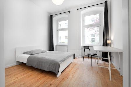 单人间租从01 Jan 2020 (Wilsnacker Straße, Berlin)