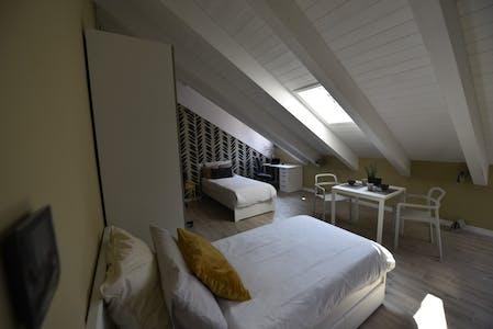 共用的房间租从01 Sep 2019 (Via Bardonecchia, Turin)