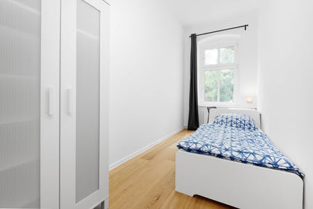 Private room for rent from 17 Aug 2019 (Plönzeile, Berlin)