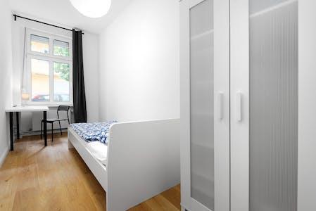 单人间租从01 Jan 2021 (Plönzeile, Berlin)