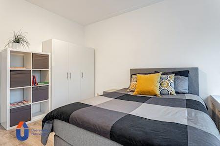 Privé kamer te huur vanaf 15 aug. 2020 (Pleinweg, Rotterdam)