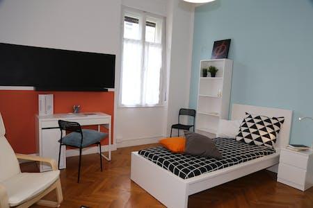 Chambre privée à partir du 01 juil. 2020 (Viale Verona, Trento)