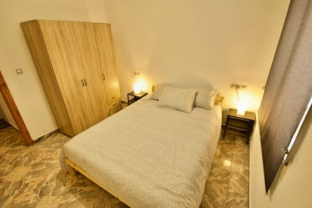 Private room for rent from 01 Feb 2020 (Pasaje Campoamor, Alicante)