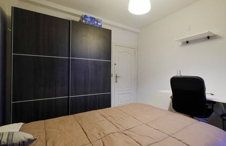 Private room for rent from 23 Jun 2020 (Calle Doctor Barraquer, Getafe)