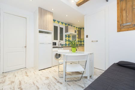 Appartamento in affitto a partire dal 20 Aug 2019 (Carrer d'en Cortines, Barcelona)