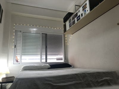 Private room for rent from 24 Nov 2019 (Calle Vidal de Canelles, Valencia)