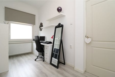 Private room for rent from 17 Dec 2019 (Goeverneurlaan, The Hague)