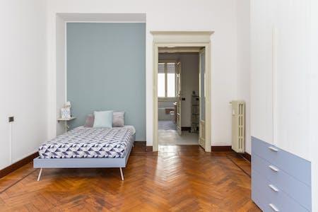 Habitación privada de alquiler desde 01 Jan 2020 (Viale Regina Giovanna, Milan)