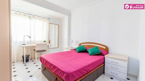 Mehrbettzimmer zur Miete ab 28 März 2020 (Calle Marino Blas de Lezo, Valencia)