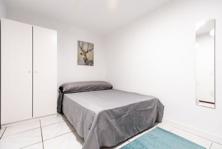 Private room for rent from 30 Jun 2020 (Calle de la Colegiata, Madrid)