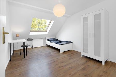 Disponível a partir de 01 Abr 2022 (Sternstraße, Berlin)