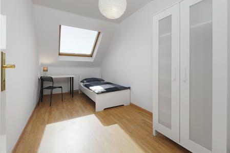 WG-Zimmer zur Miete ab 01 Apr. 2020 (Sternstraße, Berlin)
