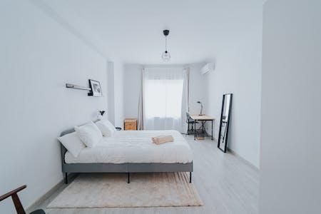 Private room for rent from 28 Feb 2020 (Paseo de la Virgen del Puerto, Madrid)