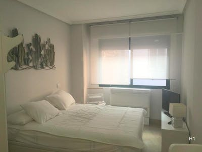 Apartment for rent from 15 Oct 2019 (Calle de Leganitos, Madrid)