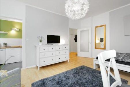 Appartamento in affitto a partire dal 14 Oct 2019 (Wittelsbacherstraße, Berlin)