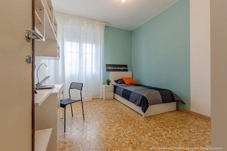 WG-Zimmer zur Miete ab 01 Sep. 2020 (Via Ugo Foscolo, Pisa)