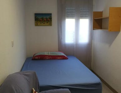 Privatzimmer zur Miete von 08 Jan 2020 (Plaza del Corregidor Sancho de Córdoba, Madrid)