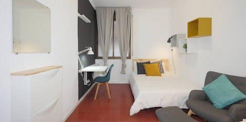 Habitación privada de alquiler desde 01 Nov 2019 (Avinguda de la Riera de Cassoles, Barcelona)