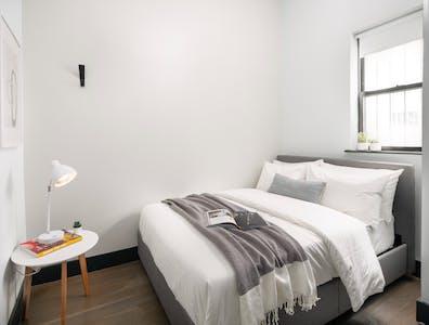 Privé kamer te huur vanaf 01 Apr 2020 (Scholes St, Brooklyn)