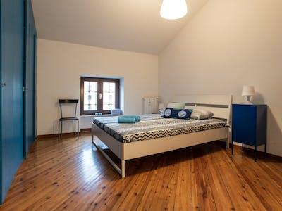 WG-Zimmer zur Miete ab 01 Aug. 2020 (Via Eugenio Carpi, Milan)