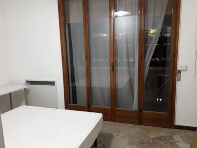 Shared room for rent from 01 May 2020 (Via Luigi Vestri, Bologna)