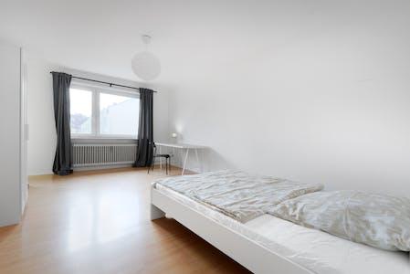 WG-Zimmer zur Miete ab 28 Sep. 2021 (Liebenwalder Straße, Berlin)