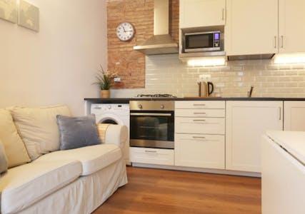 Wohnung zur Miete ab 01 Juli 2020 (Carrer de Grau i Torras, Barcelona)