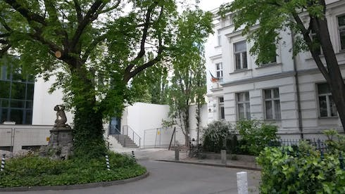 Private room for rent from 27 Jan 2020 (Genthiner Straße, Berlin)