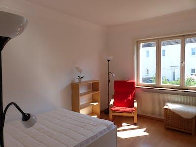 WG-Zimmer zur Miete ab 16 Feb. 2020 (Taunusstraße, Stuttgart)