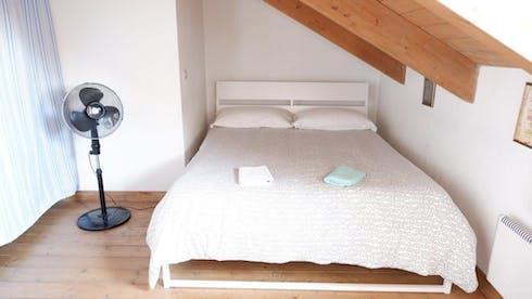 Appartement te huur vanaf 06 apr. 2020 (Via Borgo Dora, Turin)