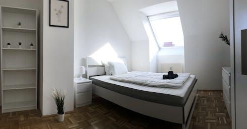 WG-Zimmer zur Miete ab 01 Juli 2020 (Liniengasse, Vienna)