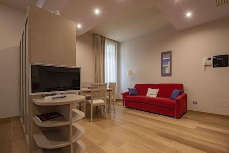 Available from 19 Aug 2021 (Vicolo San Matteo, Verona)