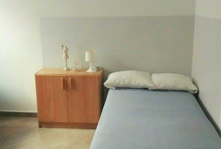 单人间租从01 3月 2020 (Carrer de Sardenya, Barcelona)