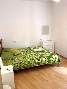 Private room for rent from 16 Sep 2019 (Avinguda de Gaudí, Barcelona)