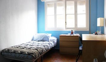 Room for rent from 01 Jul 2019 (Calle Diego de Riaño, Sevilla)