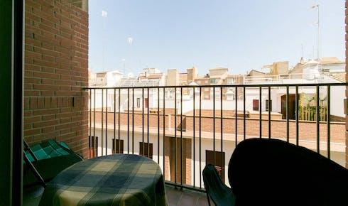 Room for rent from 01 Sep 2018 (Calle Marqués de Mondéjar, Granada)