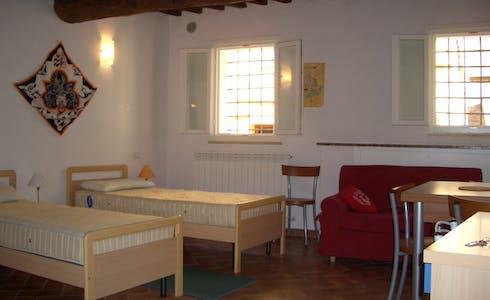 单间公寓租从01 8月 2018 (Via Vallerozzi, Siena)