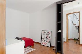 Private room for rent from 16 Jul 2019 (Rua Cidade de Manchester, Lisbon)