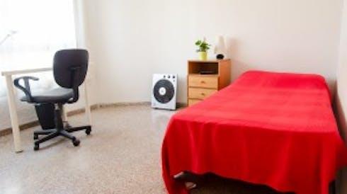 Room for rent from 19 Jul 2018 (Carrer de Rodríguez de Cepeda, Valencia)