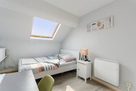 Private room for rent from 01 Sep 2020 (Avenue Milcamps, Schaerbeek)