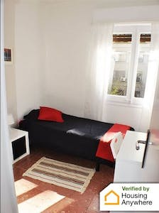 Private room for rent from 01 Aug 2019 (Avinguda de Gaudí, Barcelona)