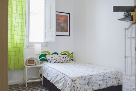 Room for rent from 01 Jun 2018 (Calle Concepción Jerónima, Madrid)