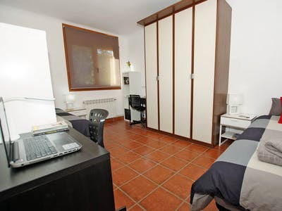 Private room for rent from 26 Jan 2020 (Carrer d'Alonso Cano, Cerdanyola del Vallès)